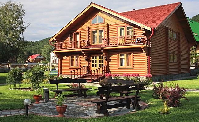 Mẫu nhà gỗ mít sân vườn