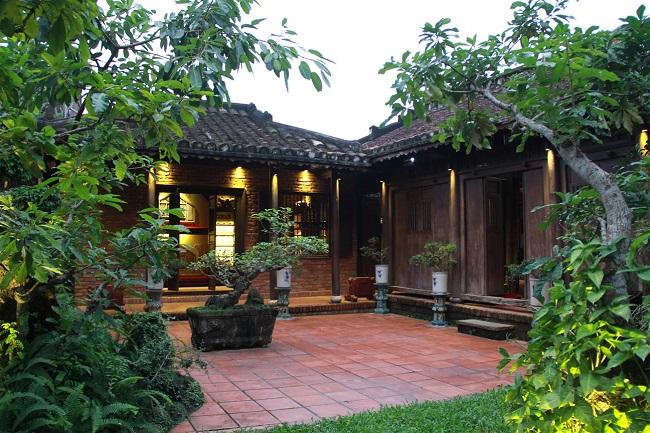 Nhà gỗ sân vườn ý nghĩa