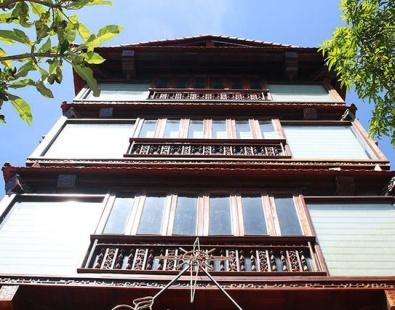 Mẫu nhà gỗ 5 tầng đẹp